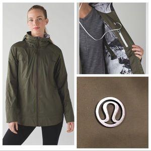 RARE Lululemon Fo Drizzle Rain Jacket Camo Lining